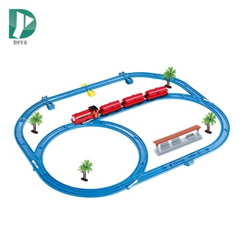 Hot sale battery operated 33pcs 4 carriages thomas train tracks toys