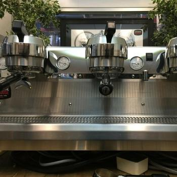 SYNESSO CYNCRA HYDRA 3 GROUP STAINLESS ESPRESSO COFFEE MACHINE COMMERCIAL CAFE