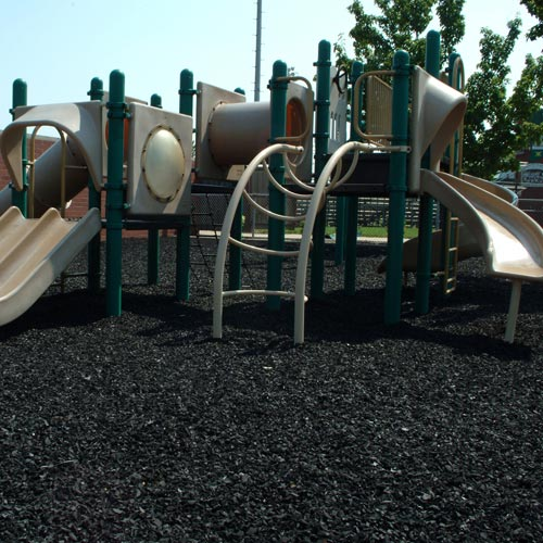 Перерабатываемый измельченный цветной мягкий материал из этиленвинилацетата с многослойной поверхностью, затухание ударного материала для наружной детской игровой площадки