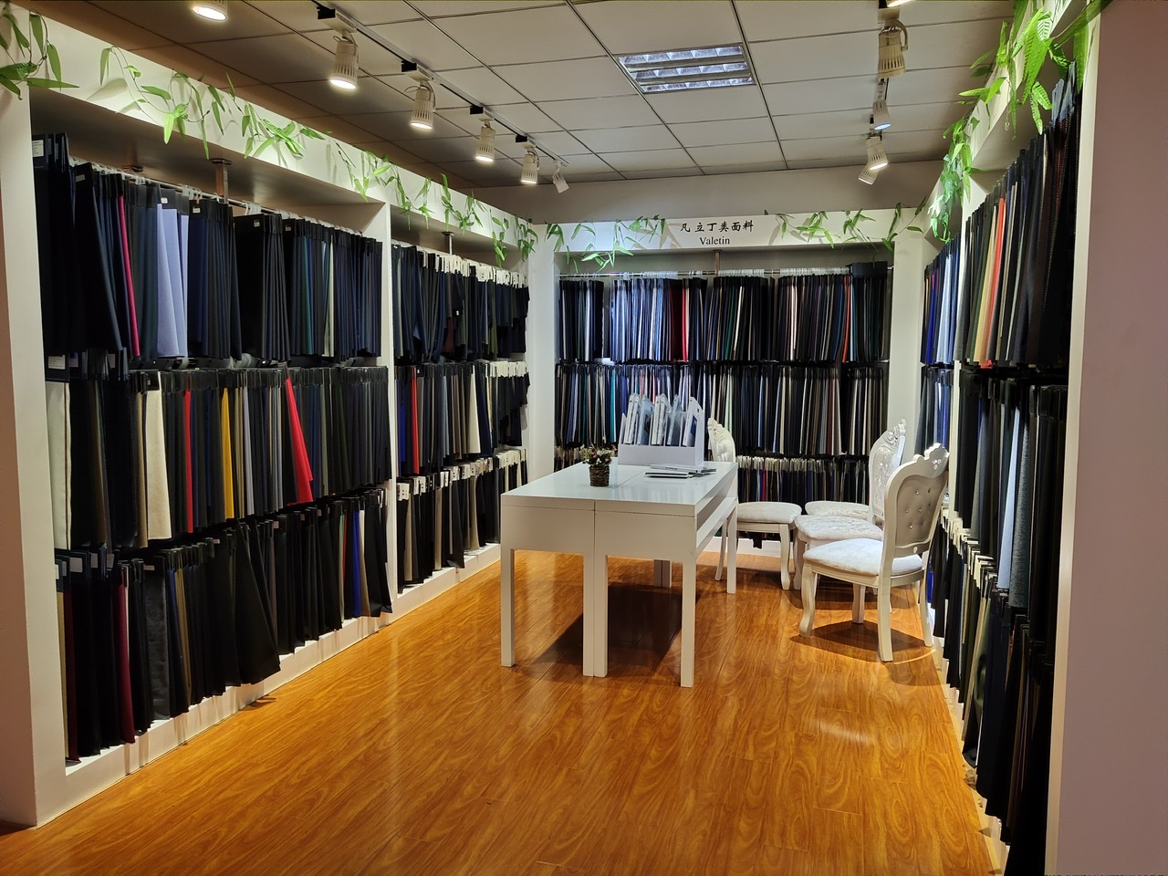 Hot sale supersoft feeling worsted wool fabric in factory price
