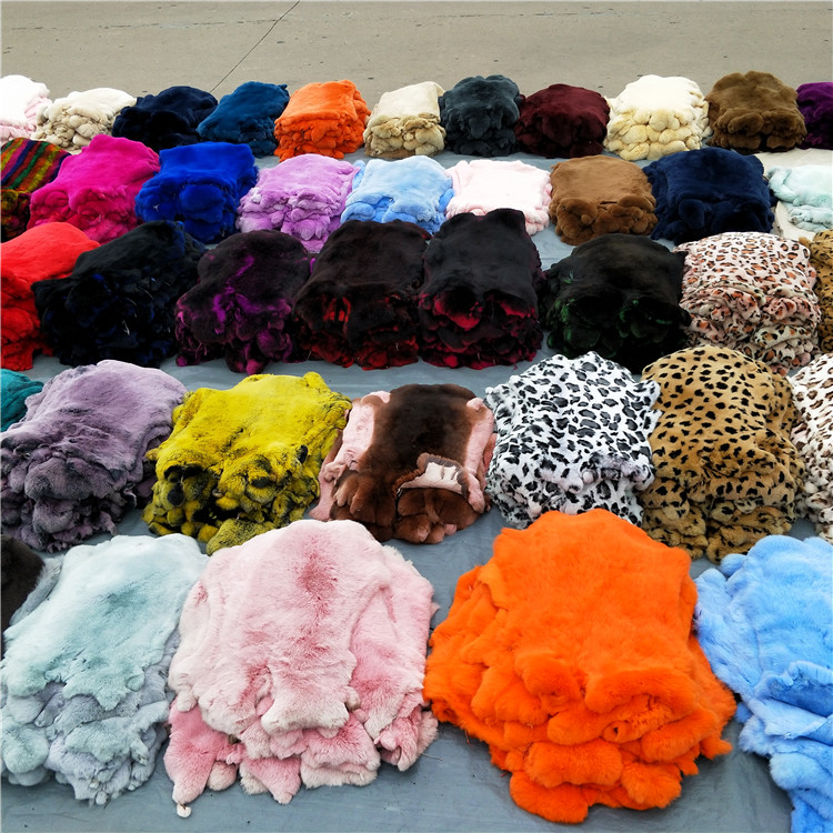 China Suppliers Dyed Color Real Rex Rabbit Fur Skin Tanned Fur Pelt with Cheap Prices