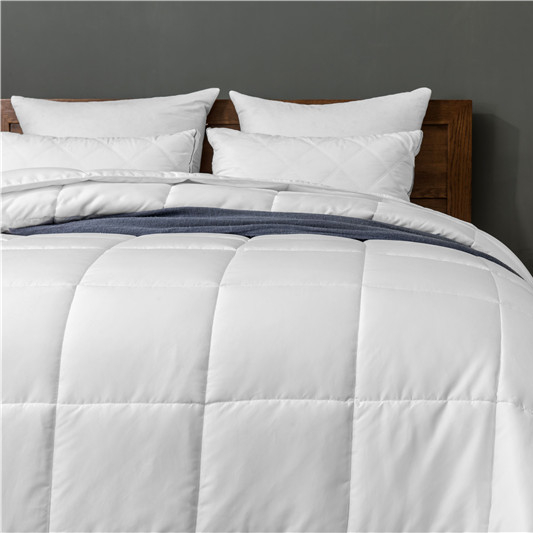 Custom Wholesale Luxury White duvet goose alternative comforter Microfiber Goose Feather Quilt Comforter for Sale