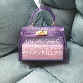 Прозрачные ПВХ сумки для женщин модная сумка с буквенным принтом Желейная сумка на плечо женская сумка через плечо яркие цвета(Китай)
