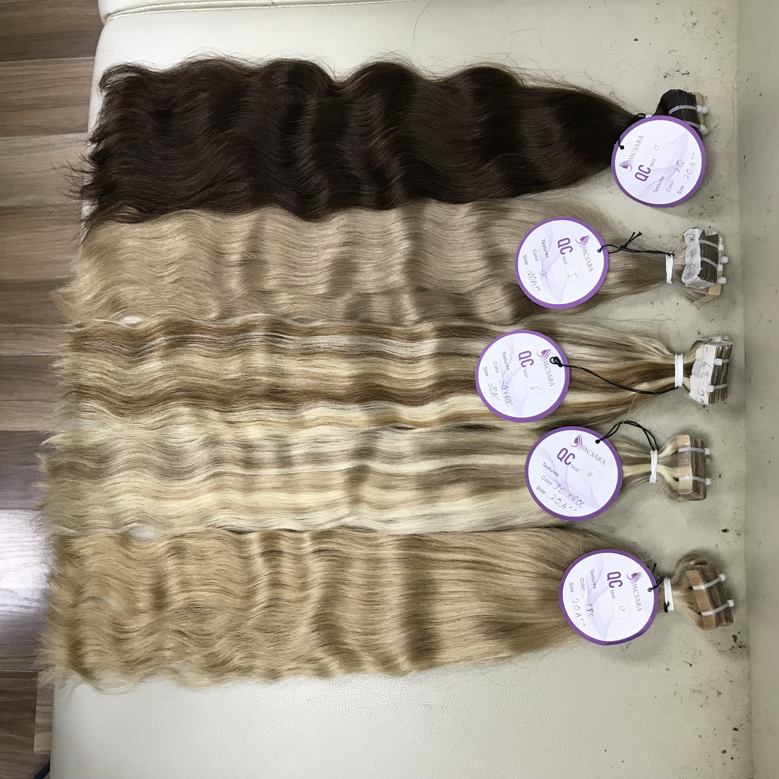 Different Color Hair Cuticle Aligned Invisible Tape In Hair Extensions Natural Wavy Mink Raw Virgin Hair