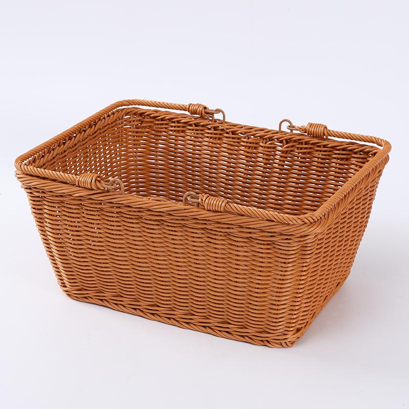 Плетеная пластиковая корзина для хранения закусок из ротанга в современном дизайне