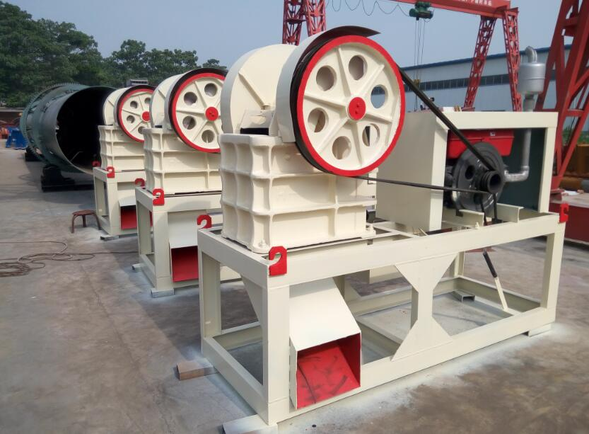 Portable stone Rock crushing machine mobile mini pe150x250 jaw crusher for sale