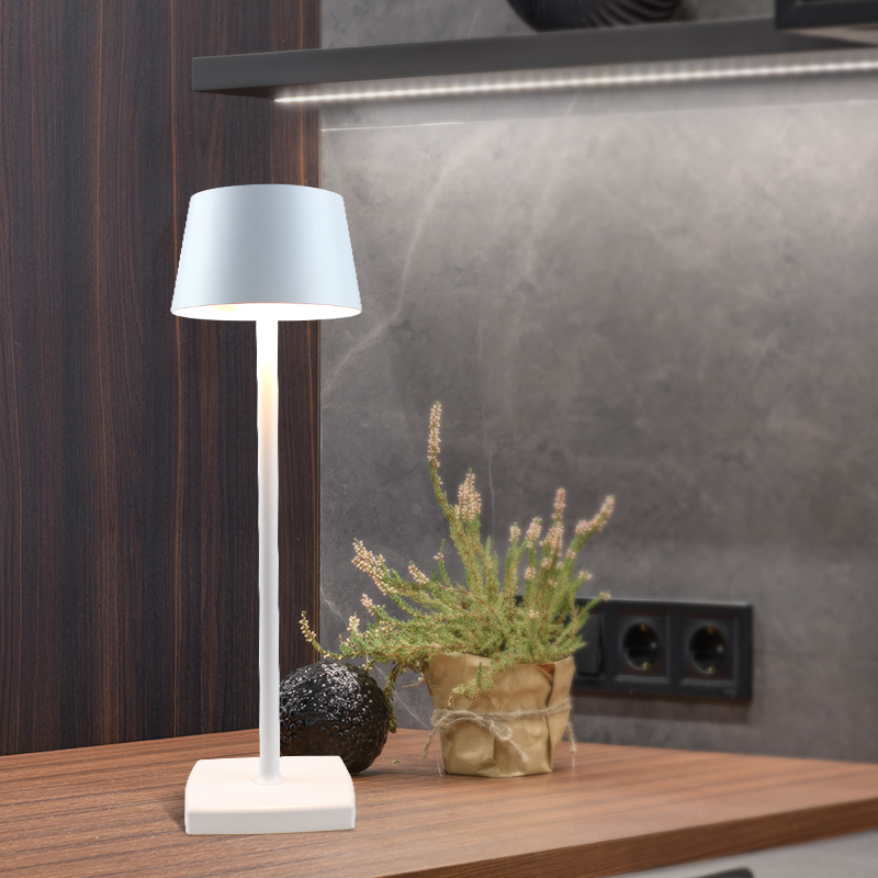 LED rechargeable battery lamp restaurant bar furniture decorative lights outdoor LED dimmable modern cordless table lamp