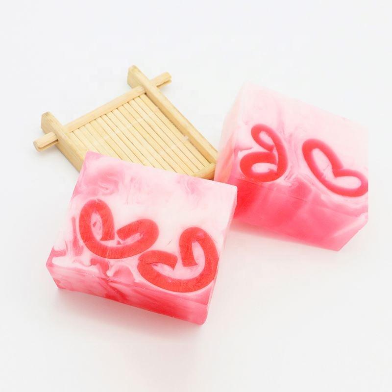 100g Sweet heart shape Strawberry handmade gift soap
