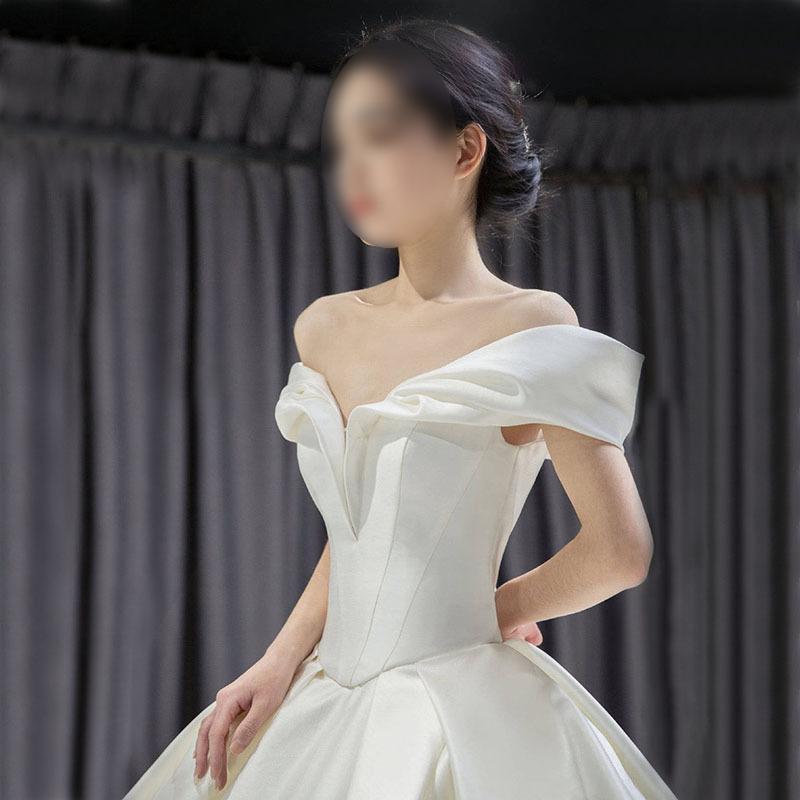 Simple Satin Sheer Wedding Dress With Ruffles Satin Sleeveless Luxury Ball Gown Wedding Princess Bridal Evening Dresses