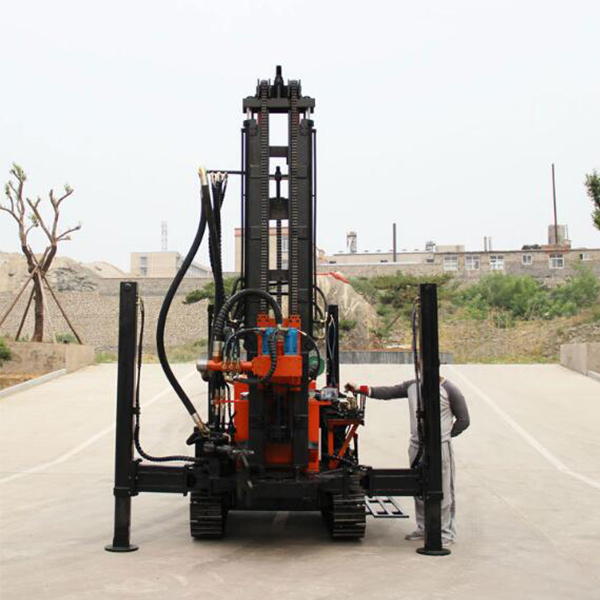 Pneumatic impact surface crawler water well drill rigs