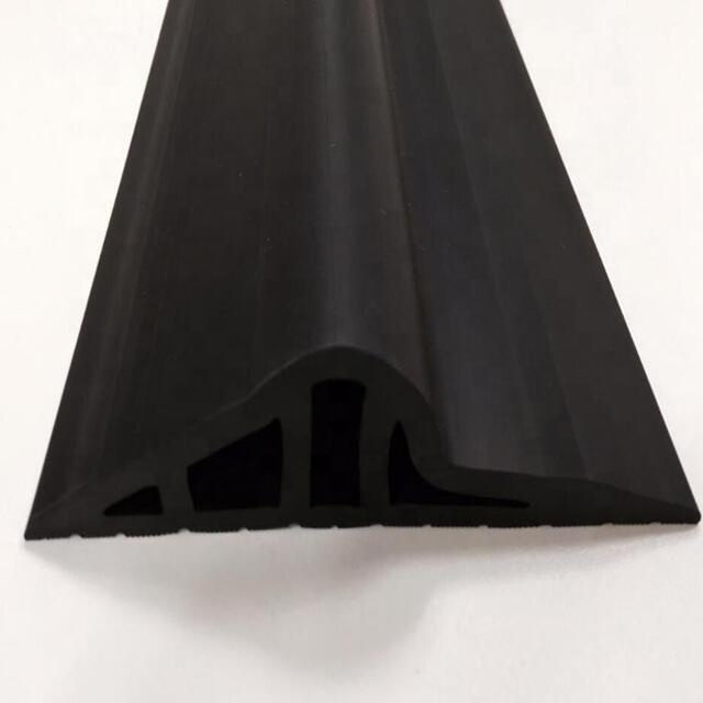 Водонепроницаемый резиновый уплотнитель для порога гаражной двери