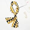#3 de triángulo azul oscuro y amarillo