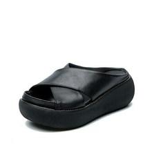 Летние женские тапочки из мягкой искусственной кожи, женская обувь, повседневные женские тапочки на танкетке в стиле ретро, модная женская ...(Китай)
