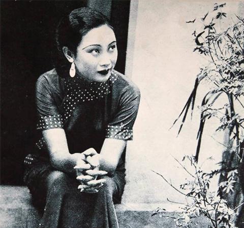 当初她因为一张照片,嫁给大自己47岁男人,晚年只得皈依佛门!