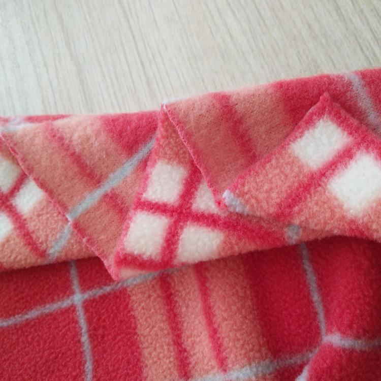China manufacture fashion new designed custom printed polar fleece fabric