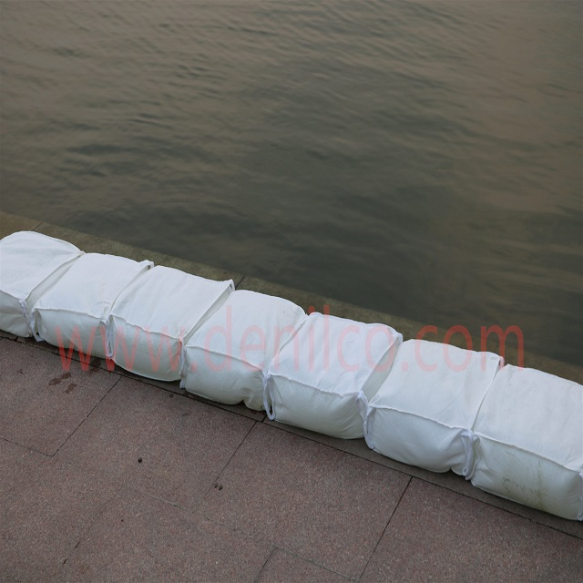 Efficient flood control bag water preventing dam for road building road