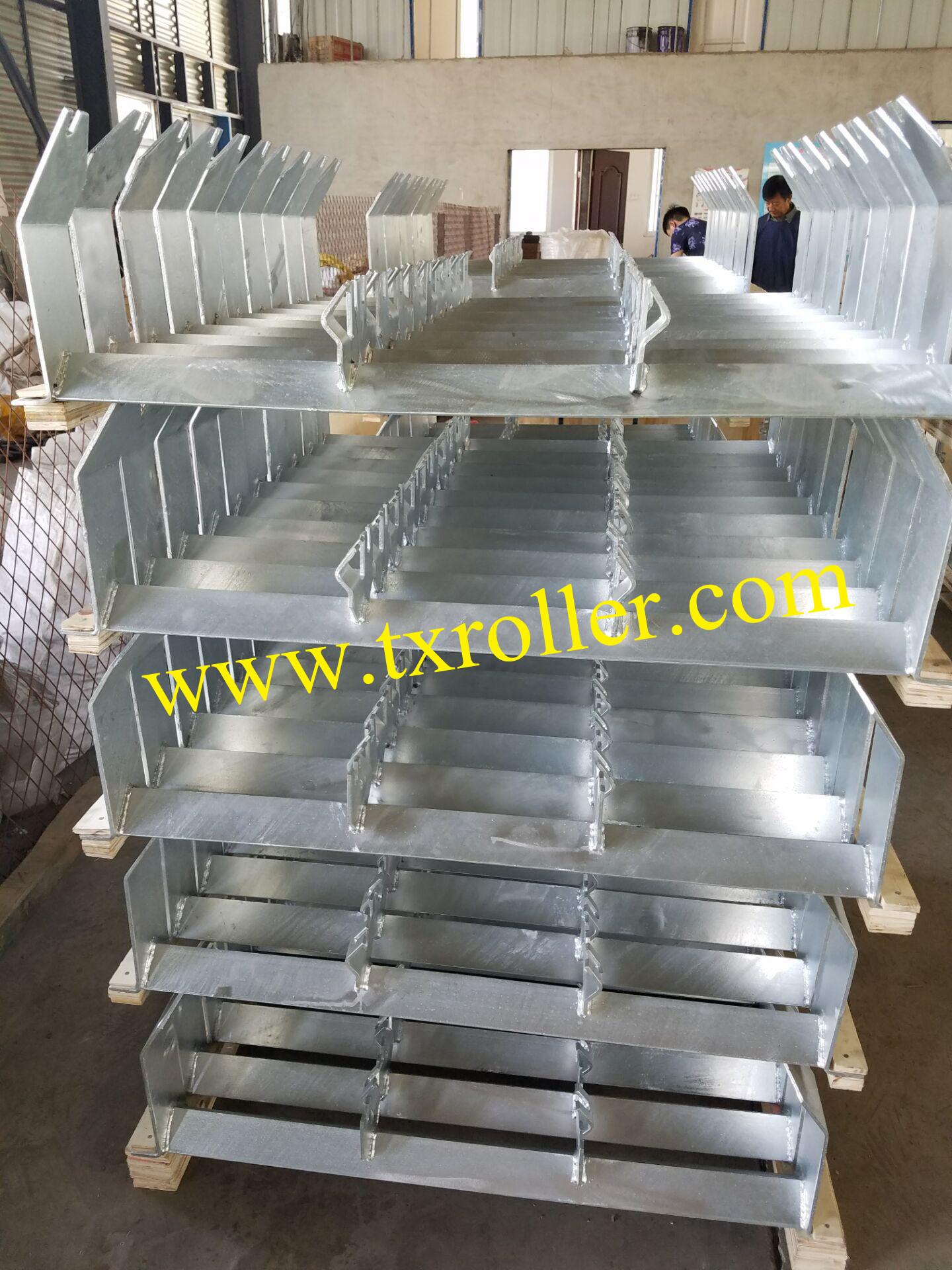 OEM offset inline troughed idler conveyor roller bracket for Material handling equipment parts heavy duty