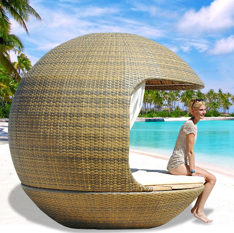 Rattan outdoor daybed wicker furniture outdoor sunbed with rattan covered and canopy beach lounge
