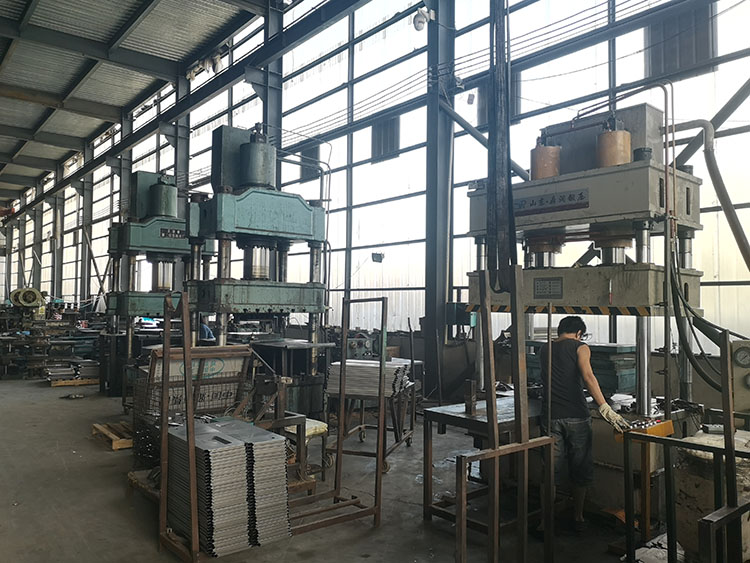 tricycle factory (3)