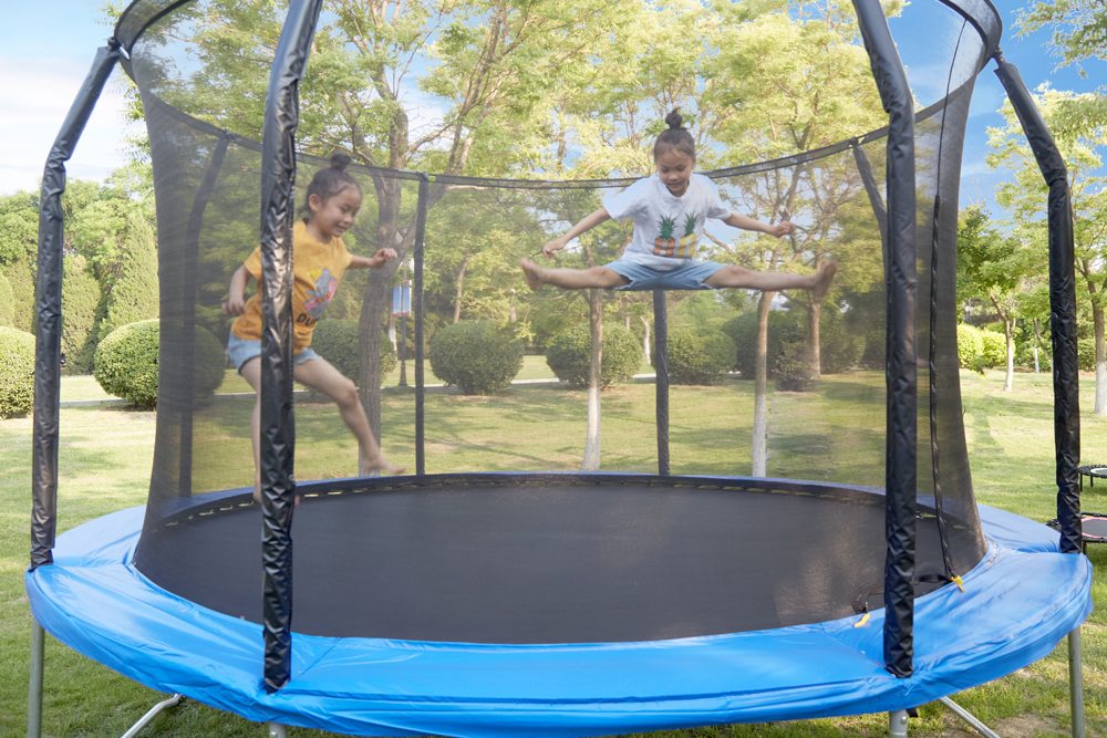 Low Price 16Ft Fitness Professional Gymnastic Trampoline Parks