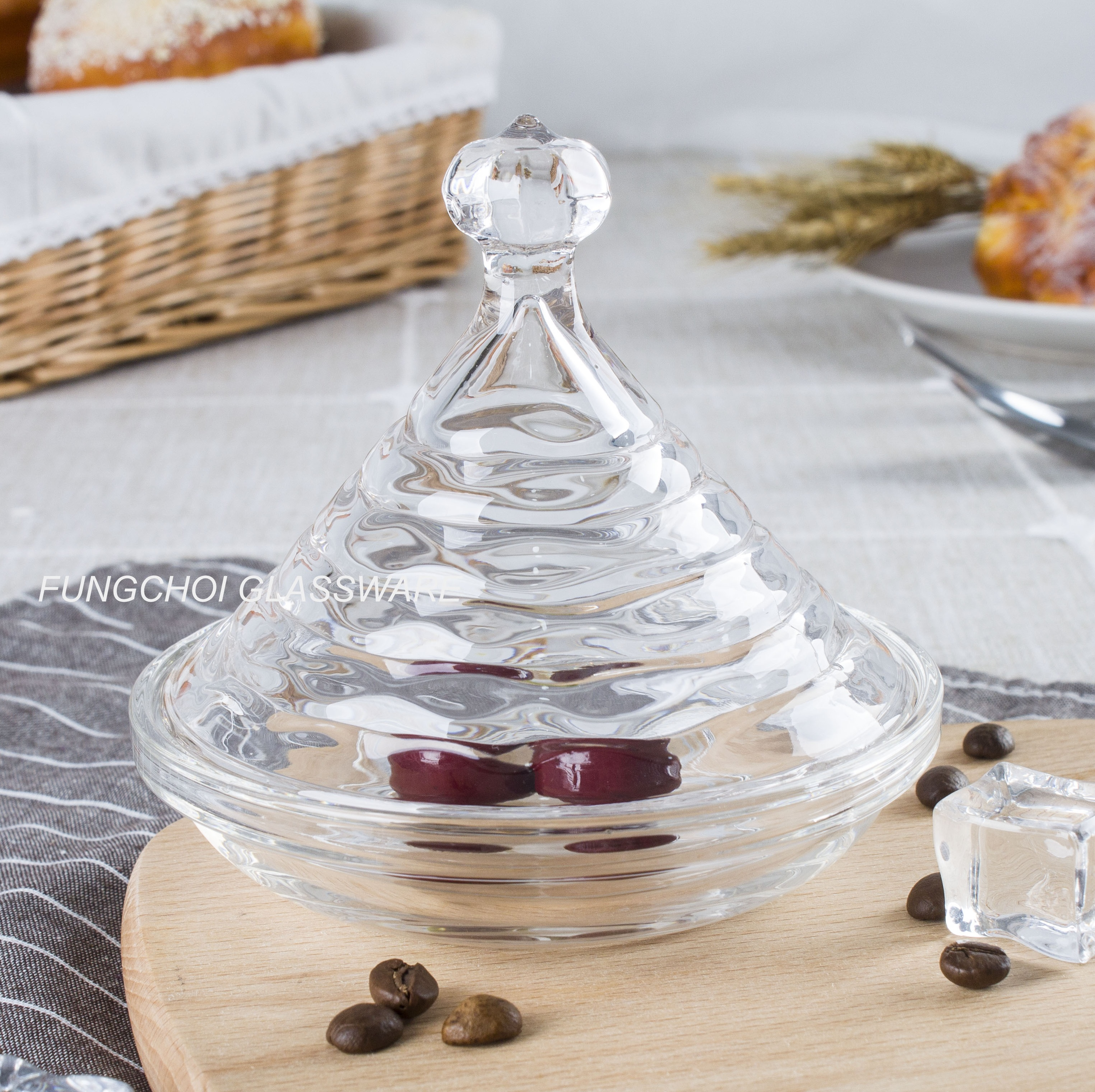 new design sugar bowl candy bowl transparent nut/candy dish with cover