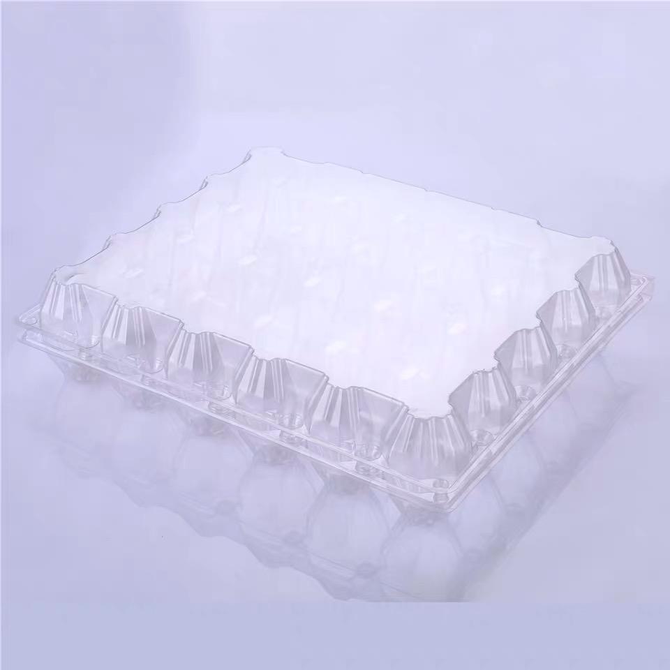 30 пластиковых лотков для яиц