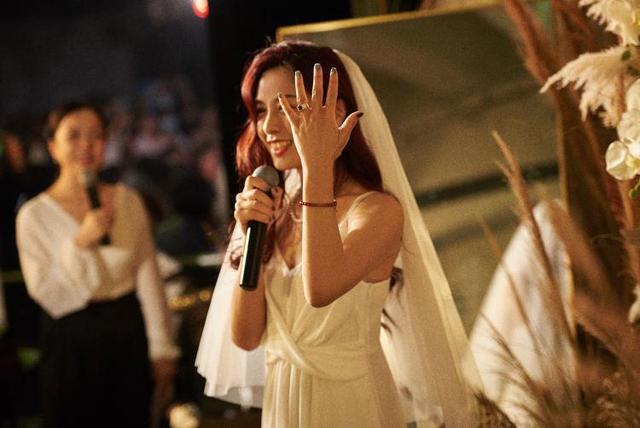 不等了,11个女生,决定和自己结婚!