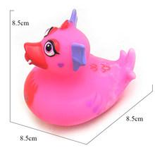 ESALINK 11 см плавающая утка детская водяная игрушка для ванны королева под зеленой резиновой уткой игрушка детский подарок детская коллекция и...(Китай)