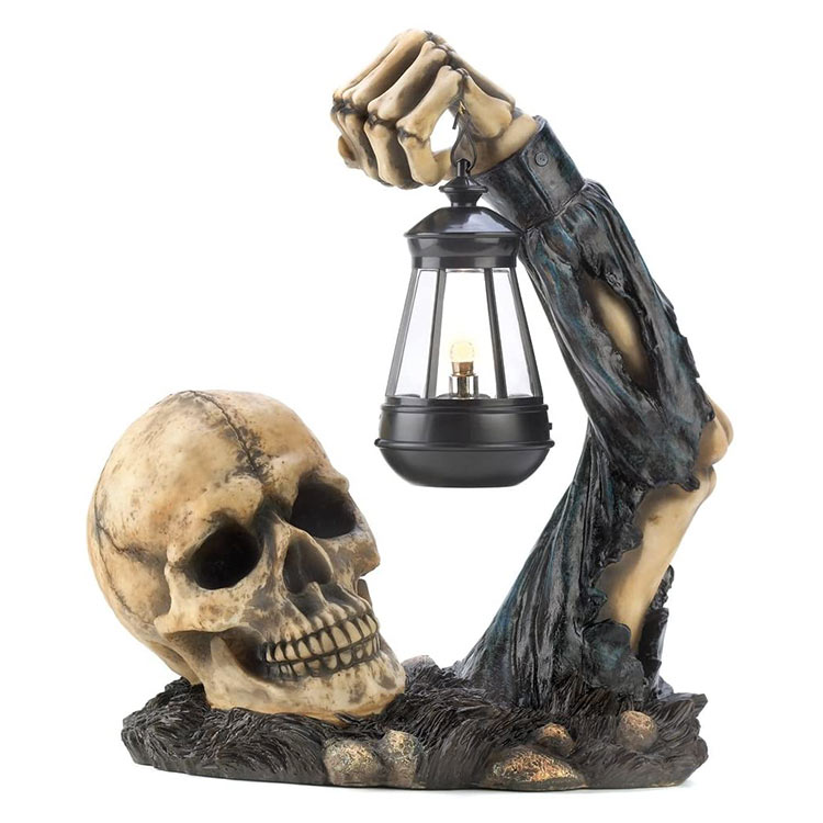 Wholesale resin creeping skeleton garden decorations halloween skull head light