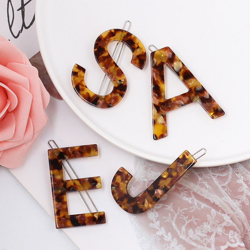 Hot Selling New Letter Acrylic Hairpin Accessories Big Alphabet Jewel Hair Accessories Barrettes Women Hair Clips