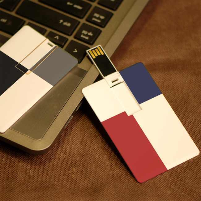 Combz Complementary Flash Drives