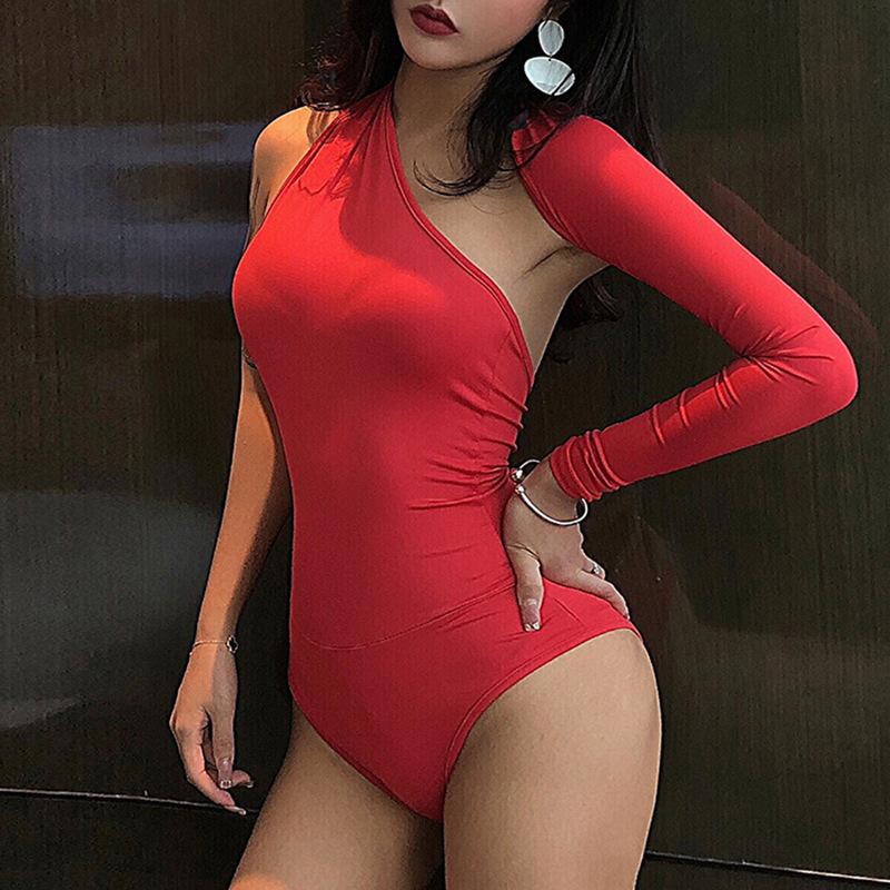 Женское асимметричное боди на одно плечо, белая Слитная нижняя рубашка с открытой спиной и лямкой на шее, лето 2021