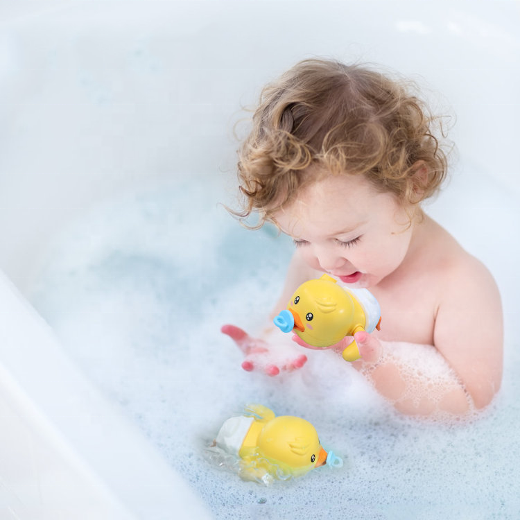 Wholesale New Plastic Float Swimming Wind Up Duck Animal Bath Toys Set For Kids