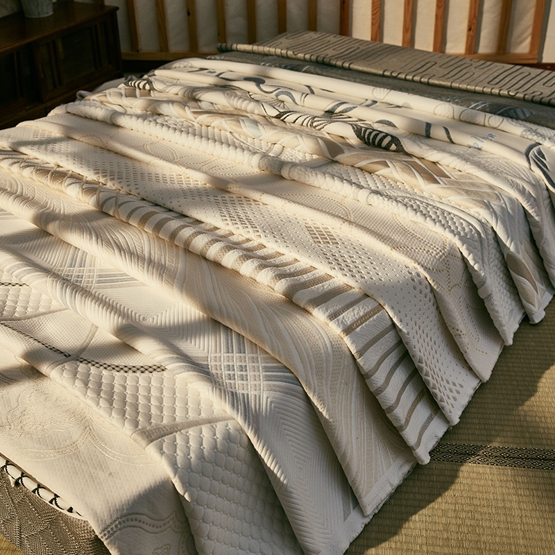 Jacquard Fabric for Mattress Ticking Fabric Polyester Designs Knitted Mattress Fabric