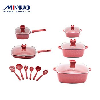 High quality craft production Enamel Cast Iron Cookware Set For Kitchen Ware Cooking Pot with Soup pot set Kitchen accessories