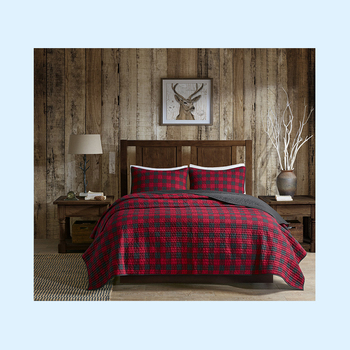 Red and black plaid pattern fashion design hot sale customized pattern king size printed polyester sheets patchwork quilt