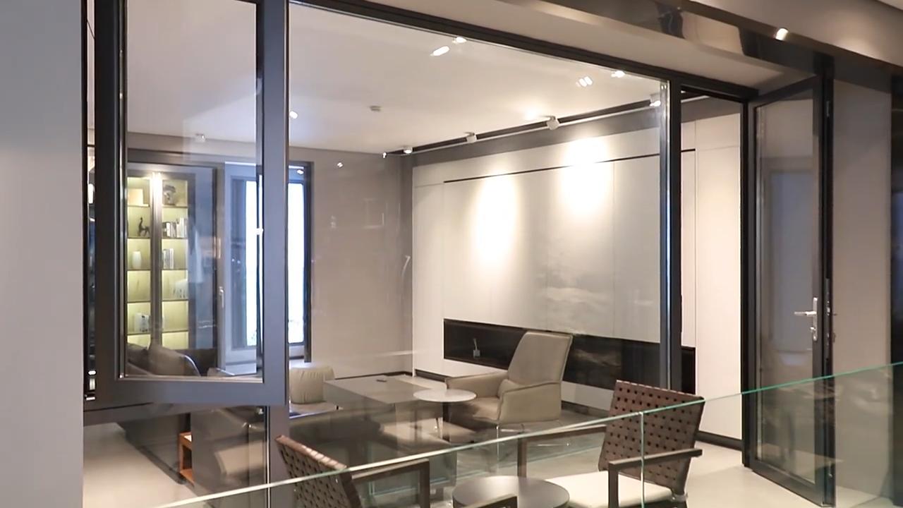 หน้าต่างกันขโมยออกแบบหน้าต่างสีดำหน้าต่างแตกกระจกหน้าต่างผลกระทบ