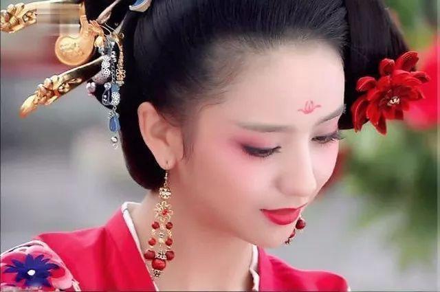 她是满清后宫中第一位汉族妃子,很受恩宠,禁忌对她只是摆设!