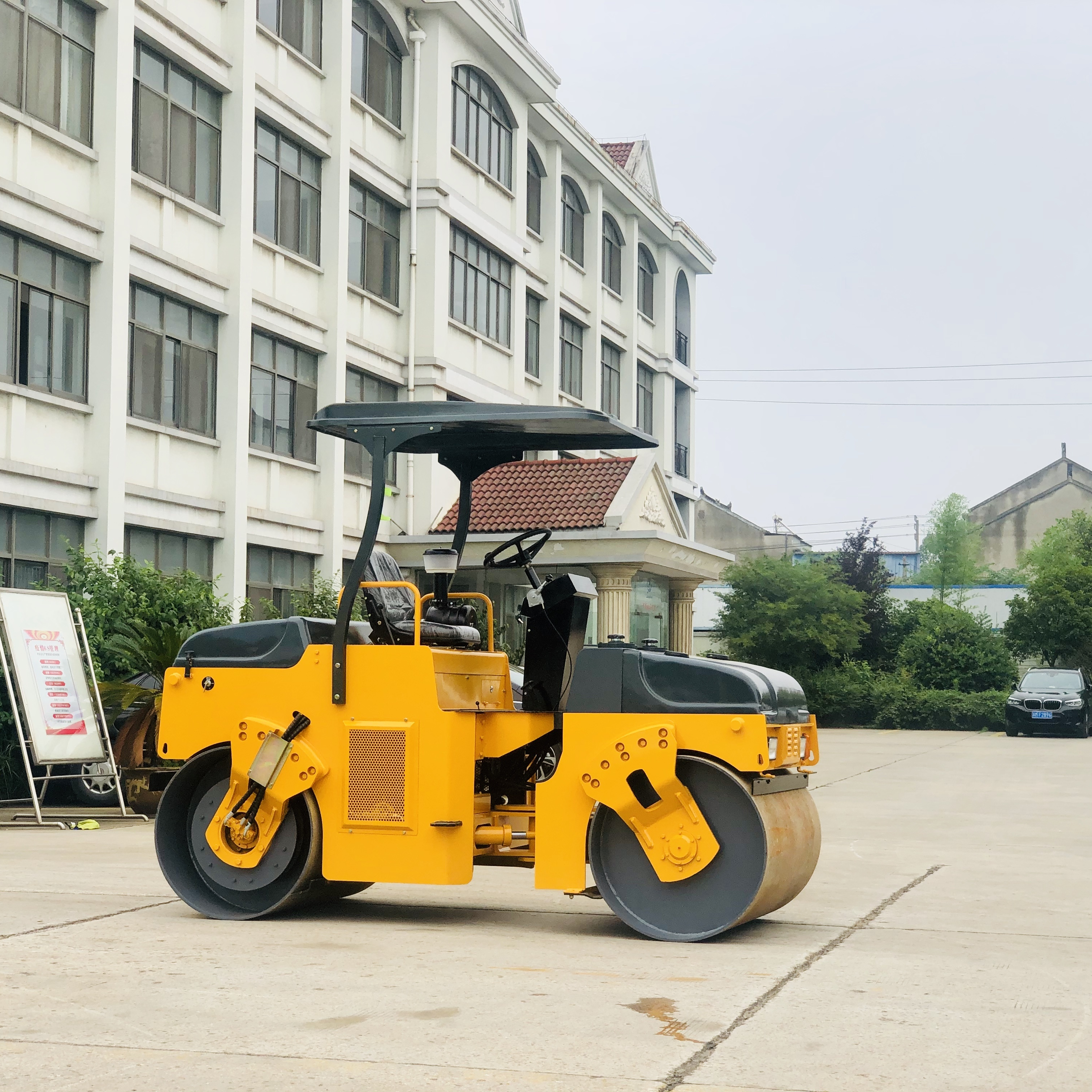 High Quality 4 Ton Construction Machine Road Roller YZC4 with Good Price