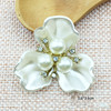 creamy white three petals 3.6*3.6cm