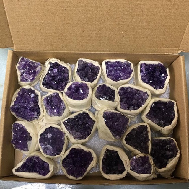 Wholesale electroplate Brazil agate geode natural color crystal healing stone