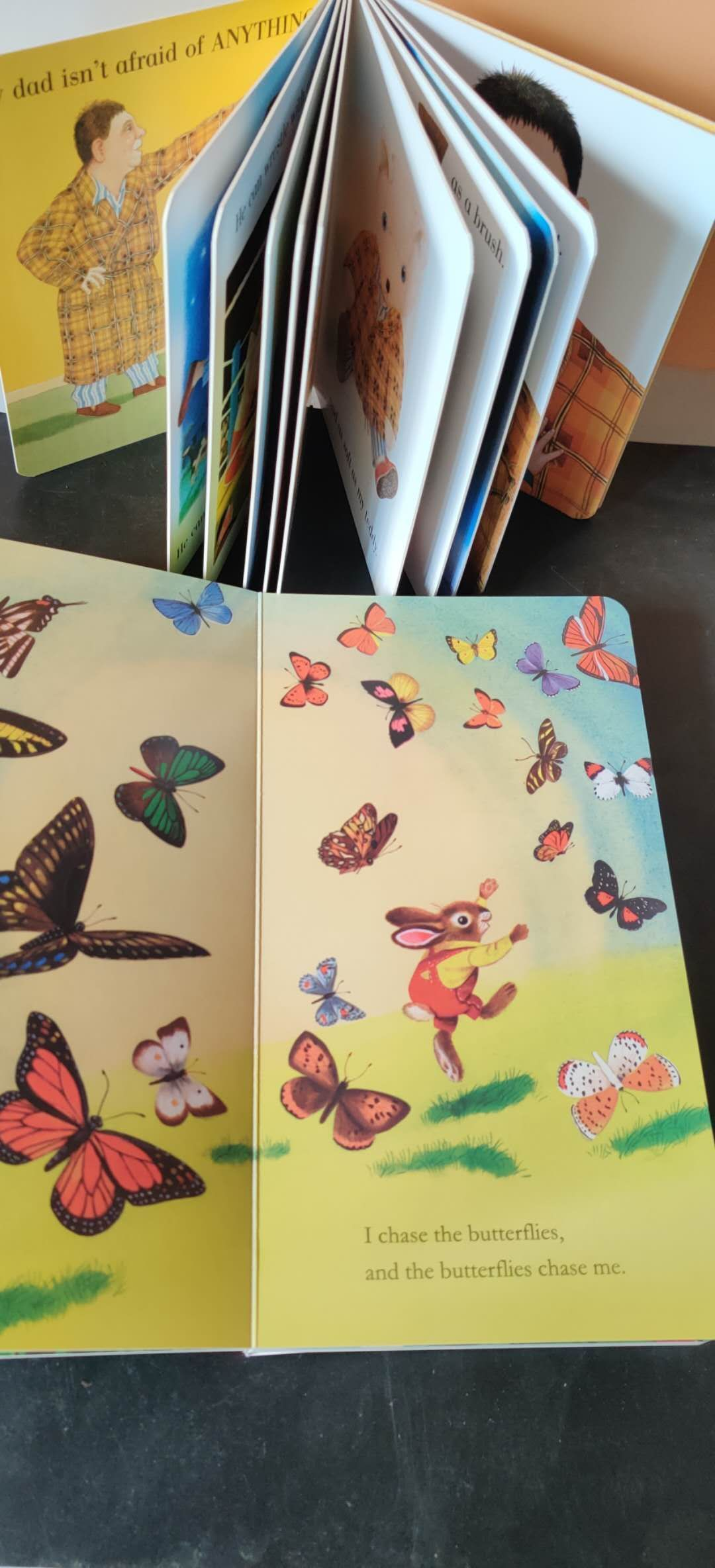 wholesale 12 story baby books gift box my dad my mum eric carle Tear resistance of cardboard