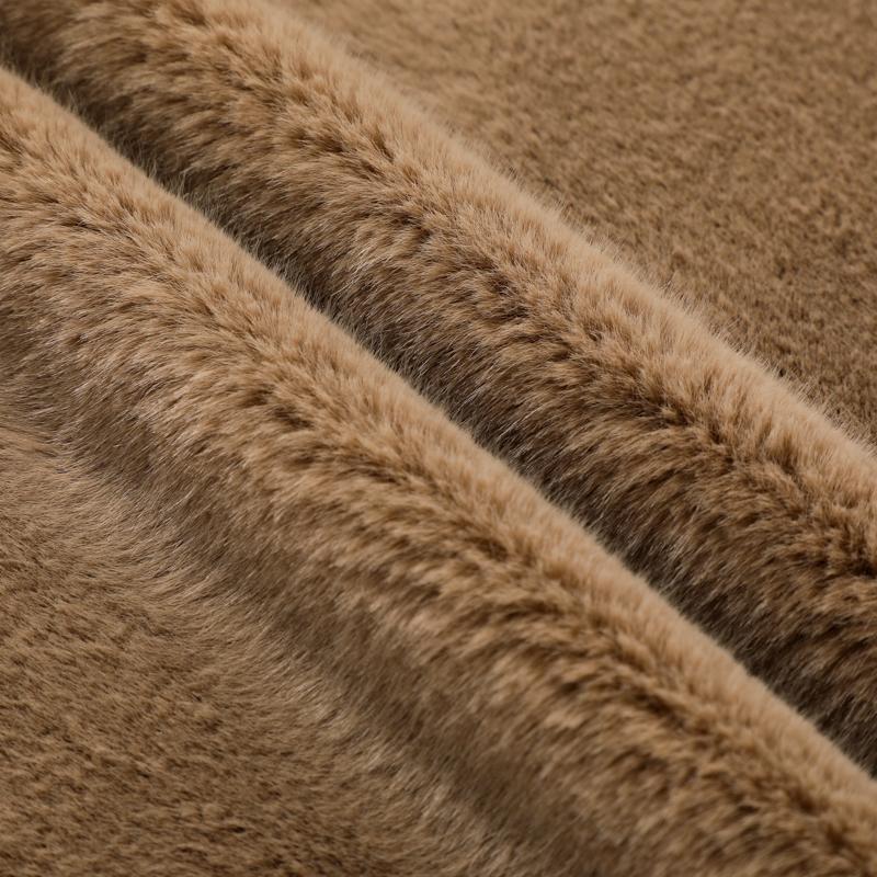 Новый дизайн, горячая распродажа, окрашенный мех кролика, искусственный мех животных, широко используемый