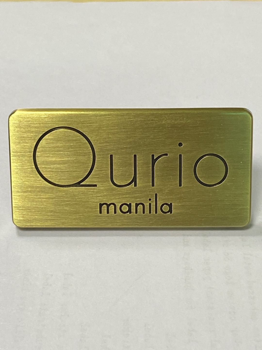 Gold color custom engraved logo metal label for bags round shape metal clothing label