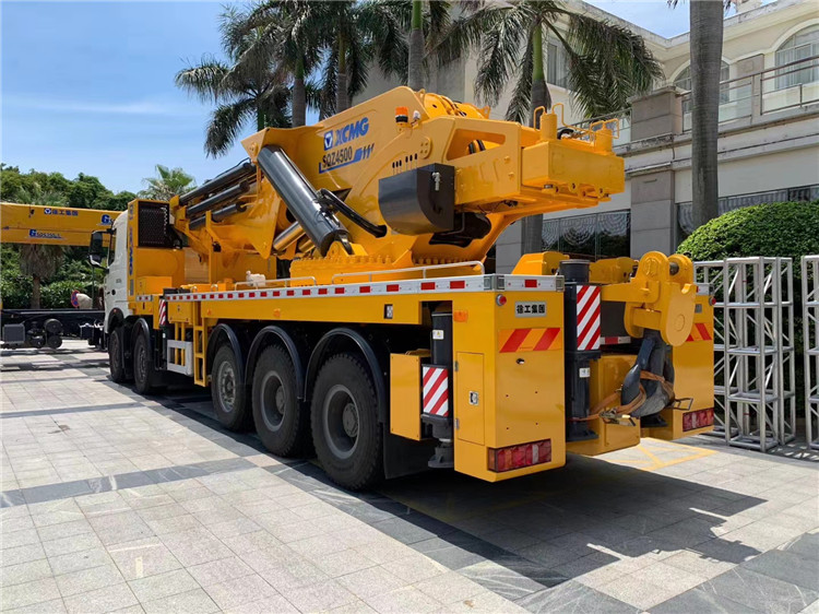 XCMG Official SQZ4500 China 90 Ton Knuckle Boom Truck Mounted Crane for Sale