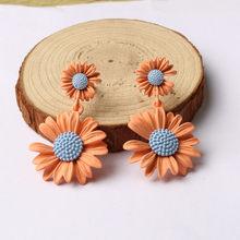 1 пара, модные корейские цветные маленькие серьги-гвоздики с ромашками и хризантемами для женщин, богемные пляжные вечерние ювелирные издел...(Китай)