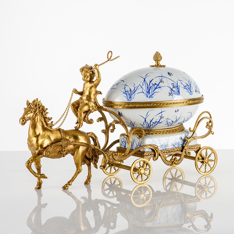 2021 creative classic luxury brass horse-drawn carriage decoration ceramic candy bowl accessories for home hotel and office