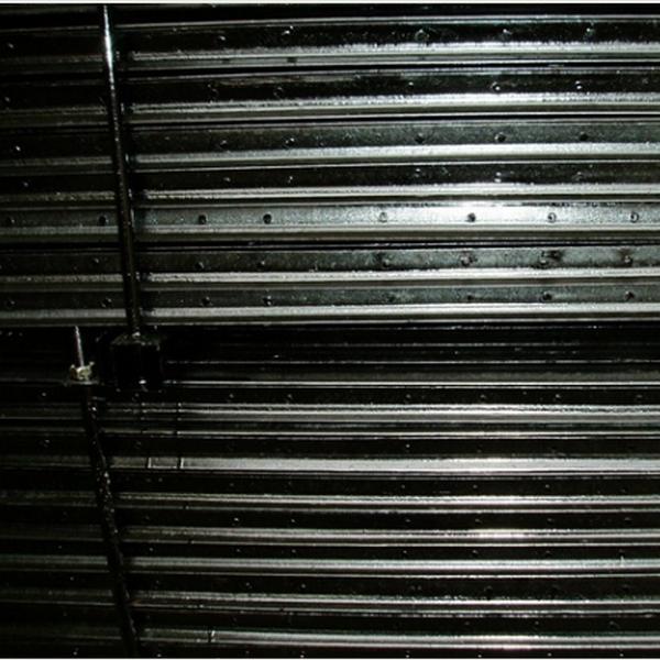 farm used metal t post fence post