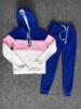 नीले और गुलाबी