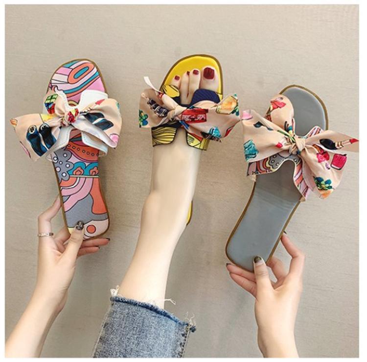 Оптовая продажа, популярные летние женские сандалии-слайды с украшением в виде банта, женские тапочки, плоские сланцы с принтом для девочек